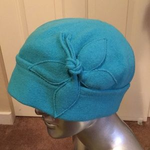 Coldwater Creek wool hat with flower